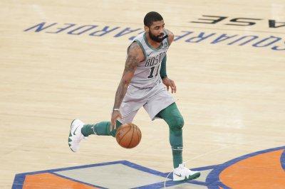 Celtics' Kyrie Irving scratches cornea vs. Spurs