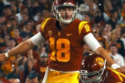 Former USC quarterback J.T. Daniels transferring to Georgia