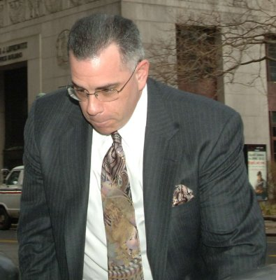 Juror's answer at Gotti trial draws laughs