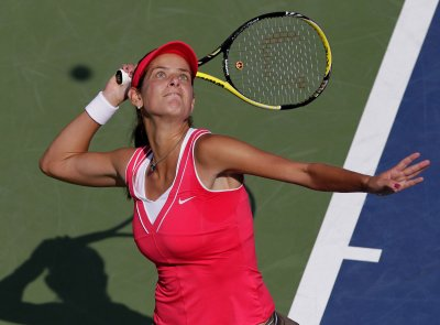 Julia Goerges rides upset to Dubai finals
