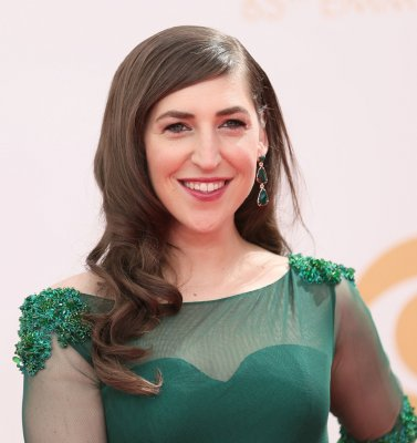 Mayim Bialik defends her attachment parenting, extended breastfeeding