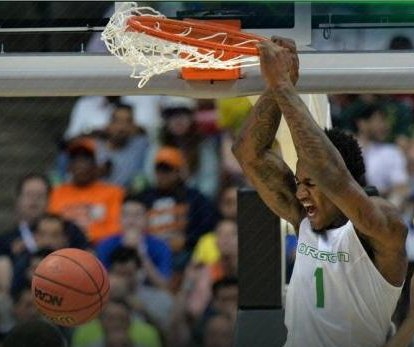 March Madness: Oregon Ducks knock off defending champions Duke