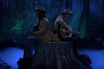Jimmy Fallon, Neil Young sing 'Two Neil Youngs on a Tree Stump' on 'Tonight Show'