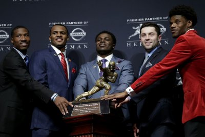 Oklahoma Sooners QB Baker Mayfield cleans up at awards show