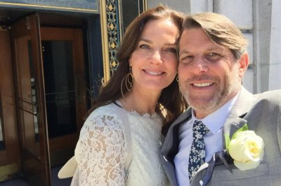 'Star Trek' alum Terry Farrell marries Leonard Nimoy's son