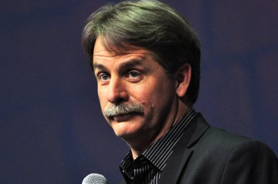 Jeff Foxworthy, Chrissy Teigen to judge NBC comedy competition