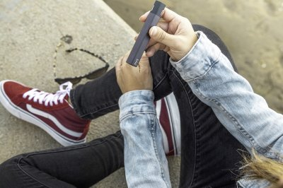 Three-quarters of U.S. teens who vape use nicotine, marijuana or both