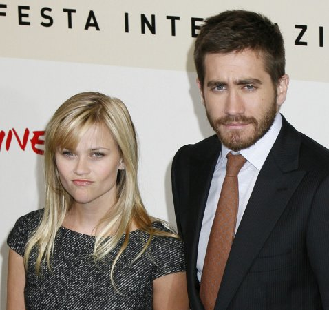 Reps deny Witherspoon-Gyllenhaal split