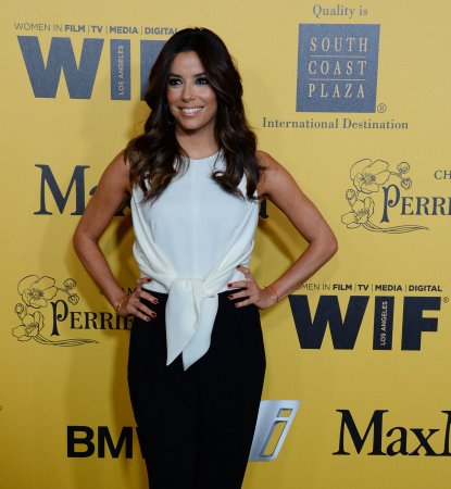 Eva Longoria says Apple employee violated her privacy by calling her cell