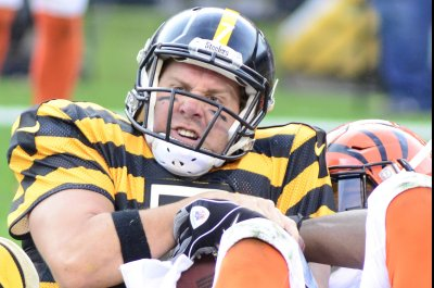 Bengals beat rival Steelers to stay unbeaten