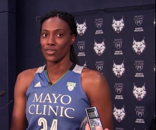 Sylvia Fowles leads Minnesota Lynx past Chicago Sky