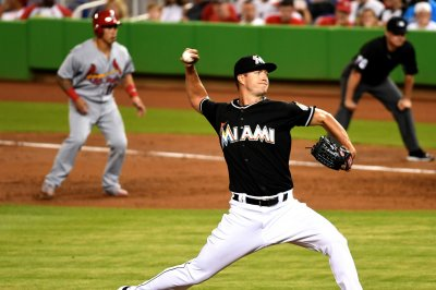Miami Marlins roll to 11-0 victory; Colin Rea leaves with injury