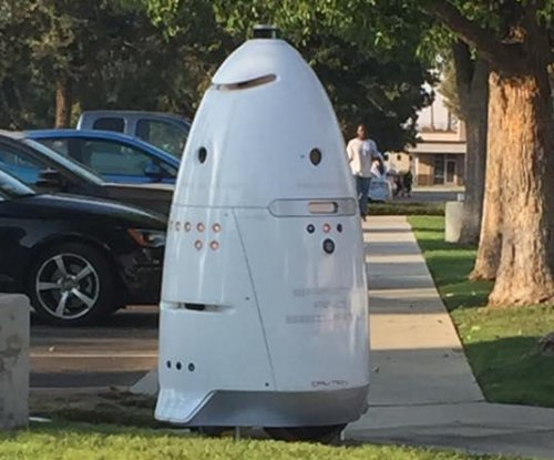 Hospital hires robot to patrol emergency room parking lot