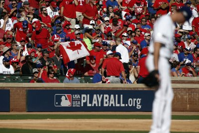 Toronto Blue Jays hammer Cole Hamels, Texas Rangers to take Game 1