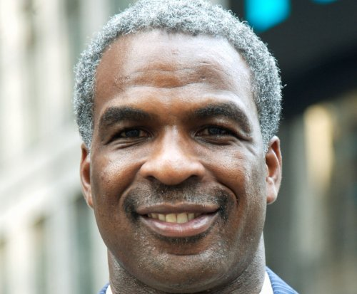 Charles Oakley arrested after scuffle, blames New York Knicks owner James Dolan