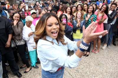 Wendy Williams faints during live broadcast, recovers