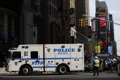 Reports: NYPD, FBI arrest man for grenade plot in Times Square