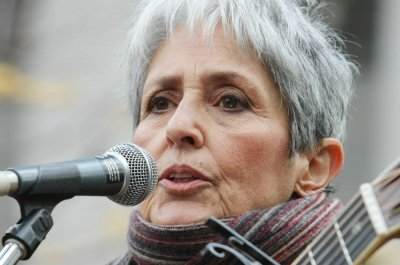 Joan Baez to receive the 2020 Woody Guthrie Prize