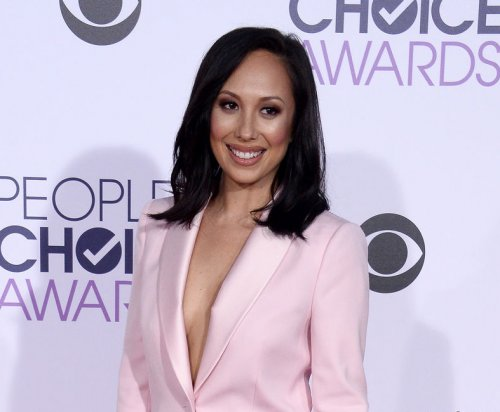 Cheryl Burke addresses Ryan Lochte protester incident: 'We all need to love each other'