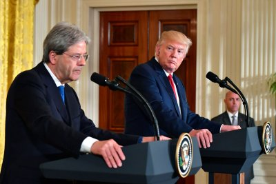 Trump jabs Italian PM Gentiloni on meeting financial NATO obligation