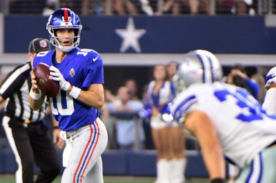 New York Giants clash with Houston Texans