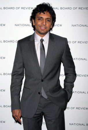 Shyamalan, Noxon team up for Syfy pilot