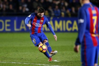 Watch: Lionel Messi's masterful weekend free kick