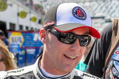 NASCAR: Kevin Harvick speeds to pole for Southern 500