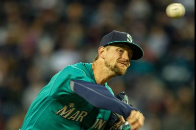 Rangers, Mariners begin series with key injuries