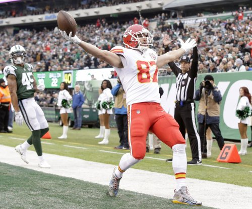 Kansas City Chiefs TE Travis Kelce sends 10 kids on free shopping spree