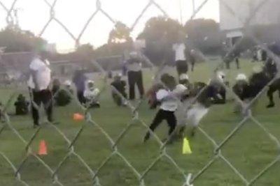 Leonard Fournette's son bulldozes toddler foe on football field