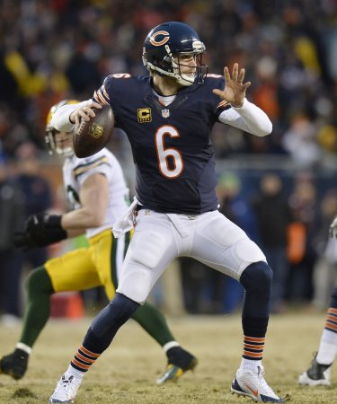 Cutler signs long-term contract with Chicago Bears
