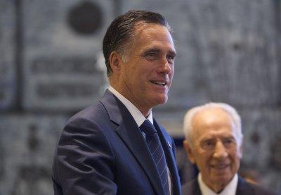 Romney praises Polish economy, liberty