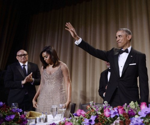 President pokes fun at his own tenure, gives nod to Clinton at correspondents' dinner