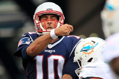 New England Patriots QB Jimmy Garoppolo out with shoulder injury