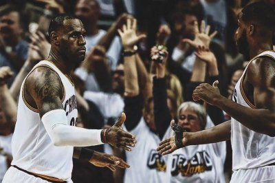 NBA Playoffs: Cleveland Cavaliers, San Antonio Spurs, Milwaukee Bucks win
