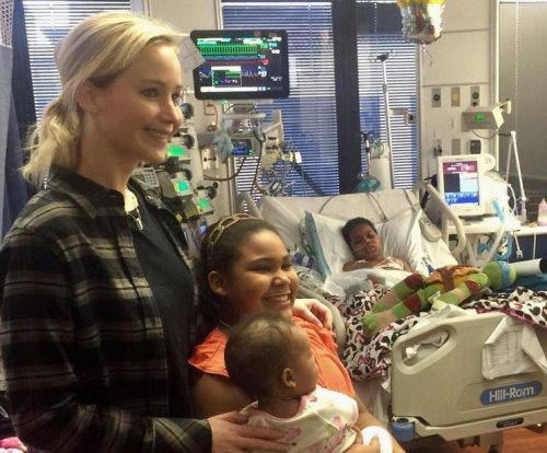 Jennifer Lawrence visits Ky. Children's Hospital for fifth Christmas in a row
