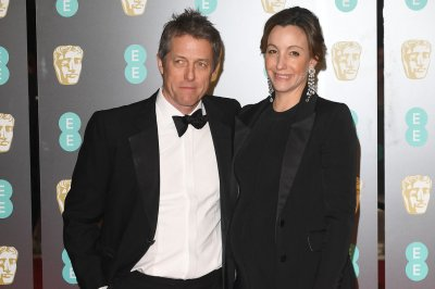 Hugh Grant to marry girlfriend Anna Eberstein
