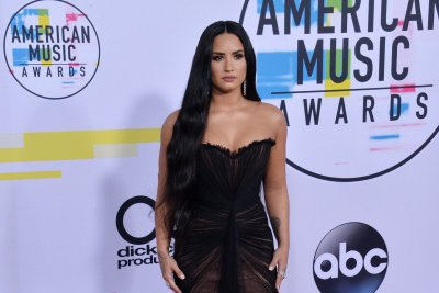 Stars support Demi Lovato on Twitter: 'She is a light in this world'