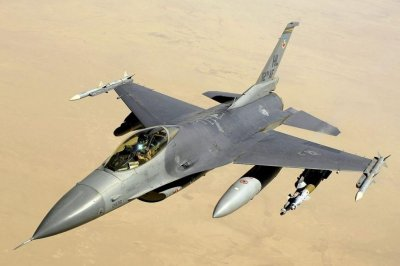 Pilot dies after F-16CM crashes at Shaw AFB, S.C.