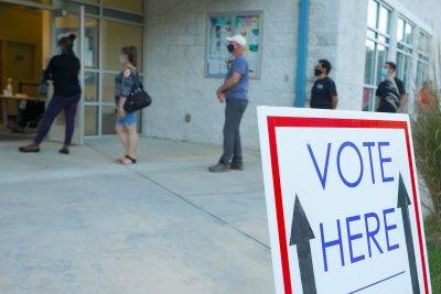 Control of U.S. Senate might hinge on 2 close races in Georgia