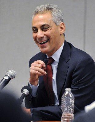 Emanuel tops Chicago mayoral poll