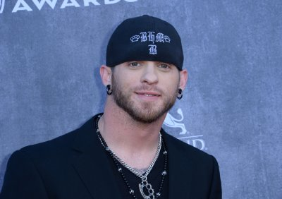 Brantley Gilbert engaged to 'hometown girl'