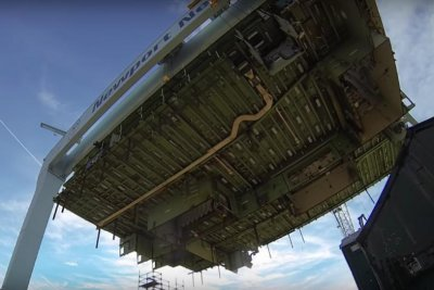 Huntington Ingalls uses superlift to construct Ford-class carrier