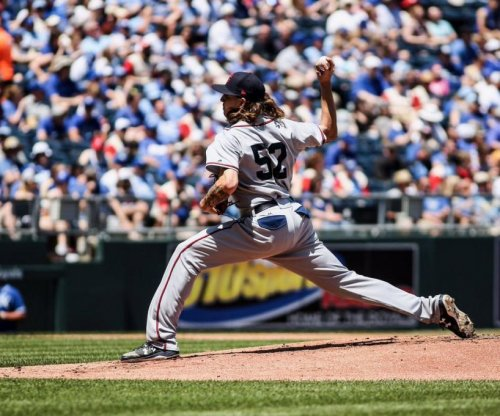 Cleveland Indians hold Kansas City Royals to 1-hit behind Mike Clevinger