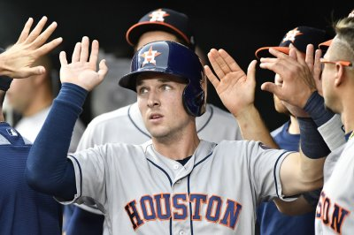Roundup: Houston Astros keep Boston Red Sox from clinching AL East
