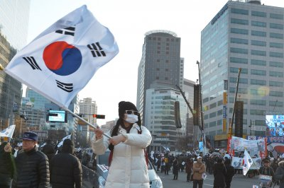 South Korea prosecutors turned away at presidential Blue House, report says