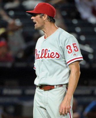 Phillies' Hamels recovery pushed back