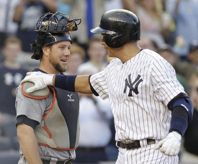 Rodriguez, New York Yankees agree on bonuses going to charity
