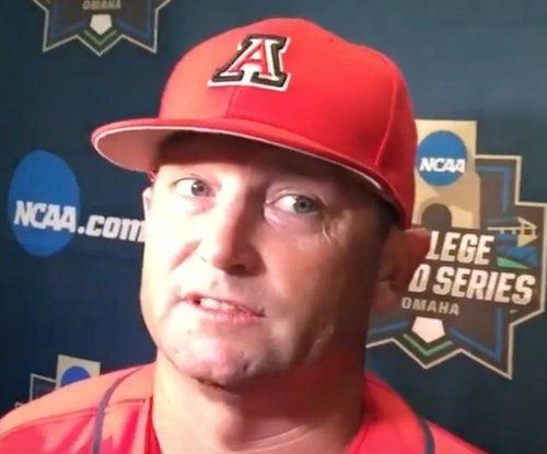Arizona takes Game 1 of College World Series title series